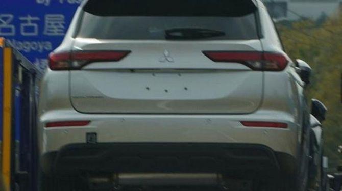 Кроссовер Mitsubishi Outlander четвертой генерации начал поступать дилерам 1