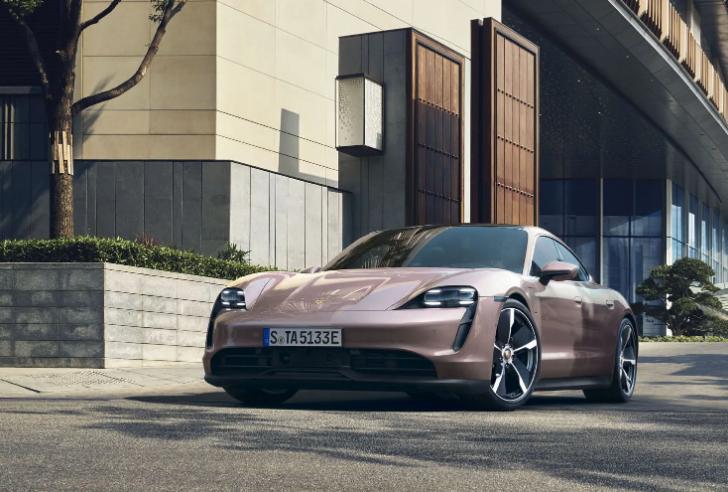 В Украине появятся 5 новых моделей Porsche 1