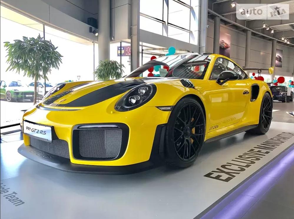В Украине продают Porsche 911 GT2 RS за 17 миллионов гривен 1