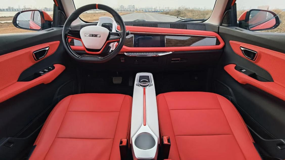 В Китае презентовали бюджетный и стильный электромобиль 2