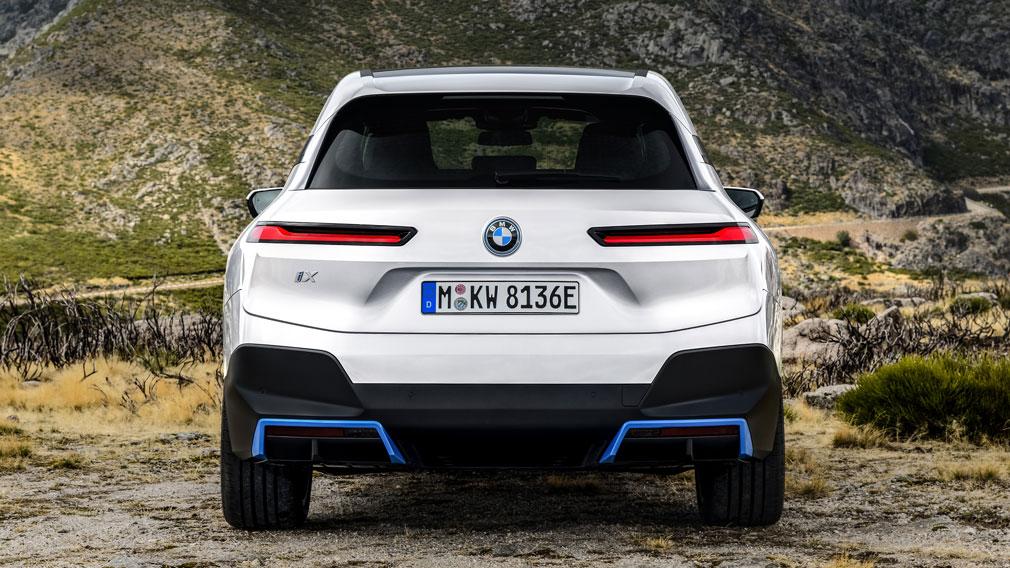 BMW представила новый кроссовер BMW iX 3