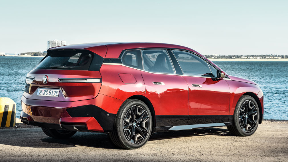 BMW представила новый кроссовер BMW iX 6