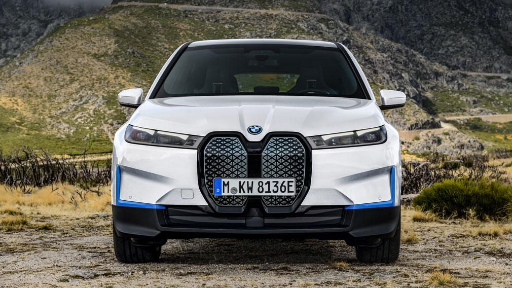 BMW представила новый кроссовер BMW iX 1