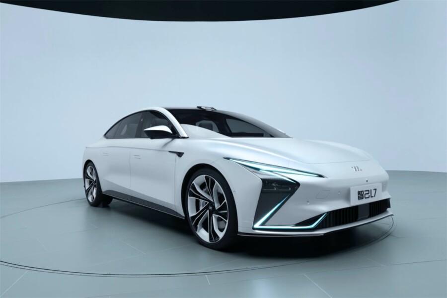 Запас хода 1000км. и беспроводная зарядка: Китай задал новыестандарты в сегменте EV 1