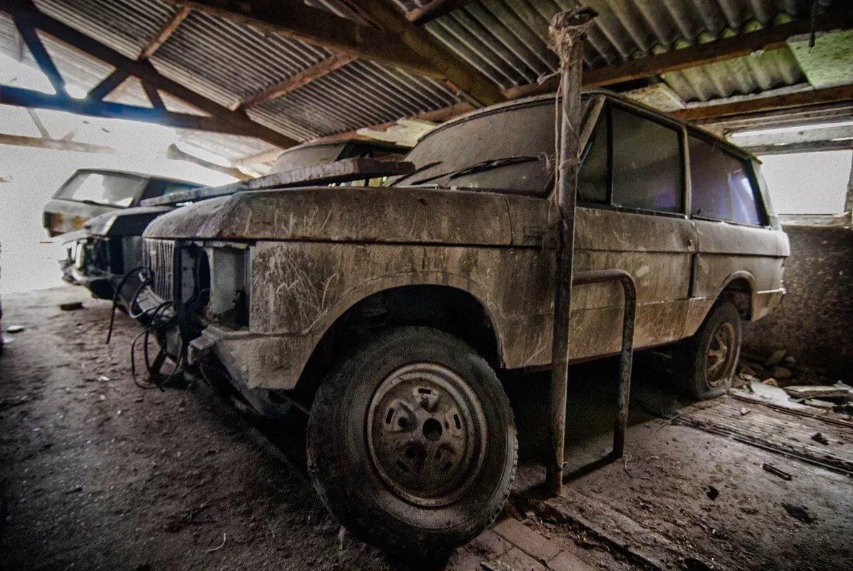 В Нидерландах обнаружили сарай с уникальными Range Rover 3