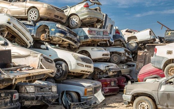 Автомобильные свалки, которые превратили в достопримечательности 7