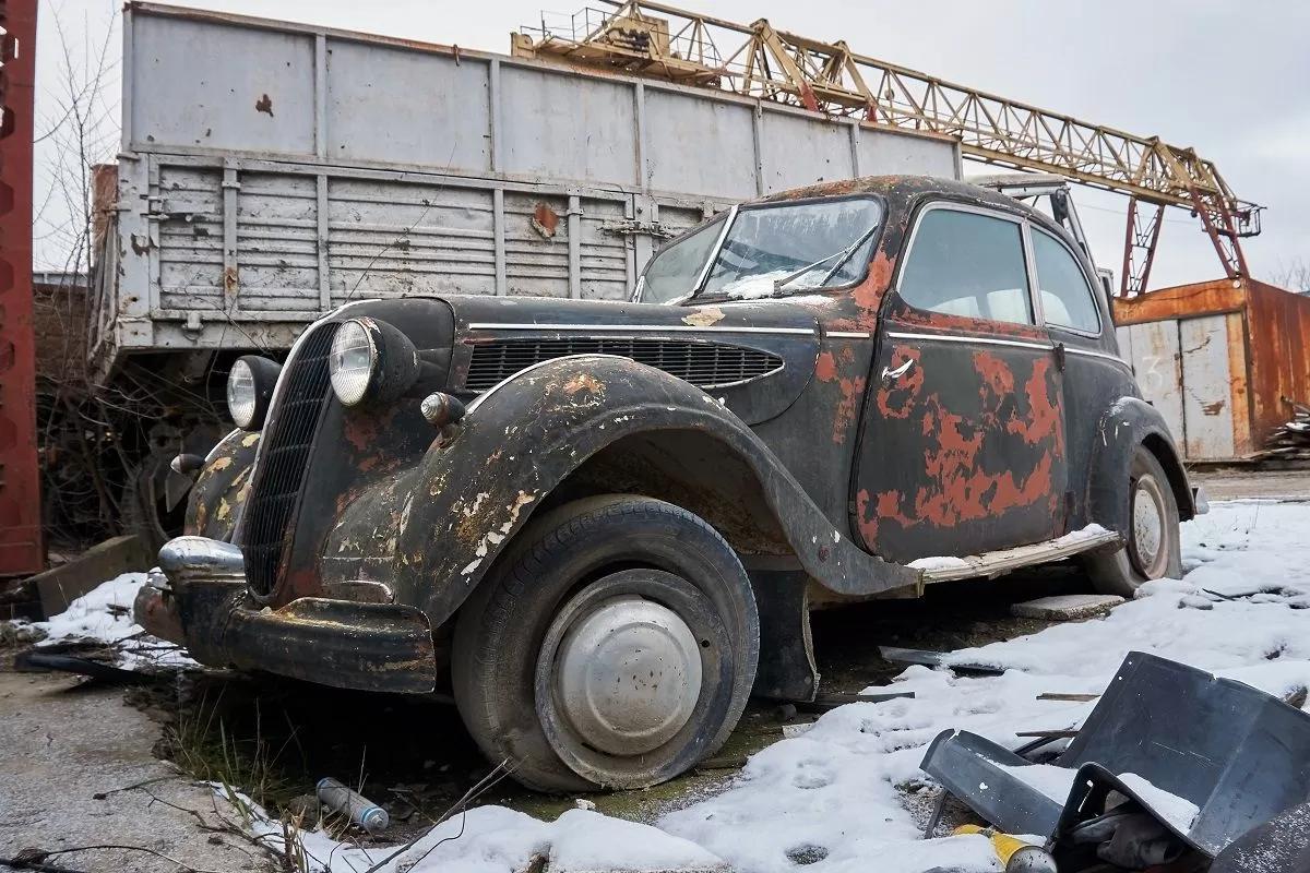 В сети показали коллекцию машин времен СССР – есть и правительственные лимузины (фото) 13