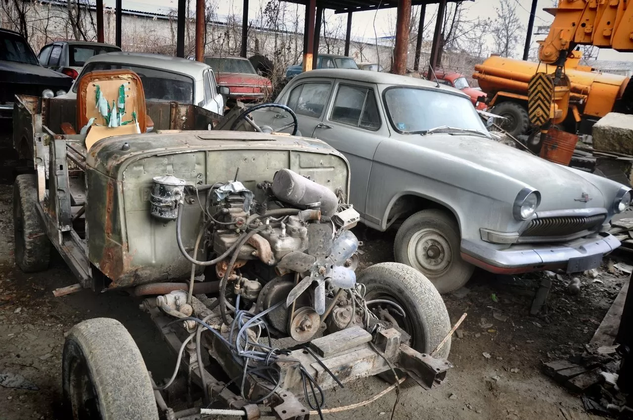 В сети показали коллекцию машин времен СССР – есть и правительственные лимузины (фото) 12