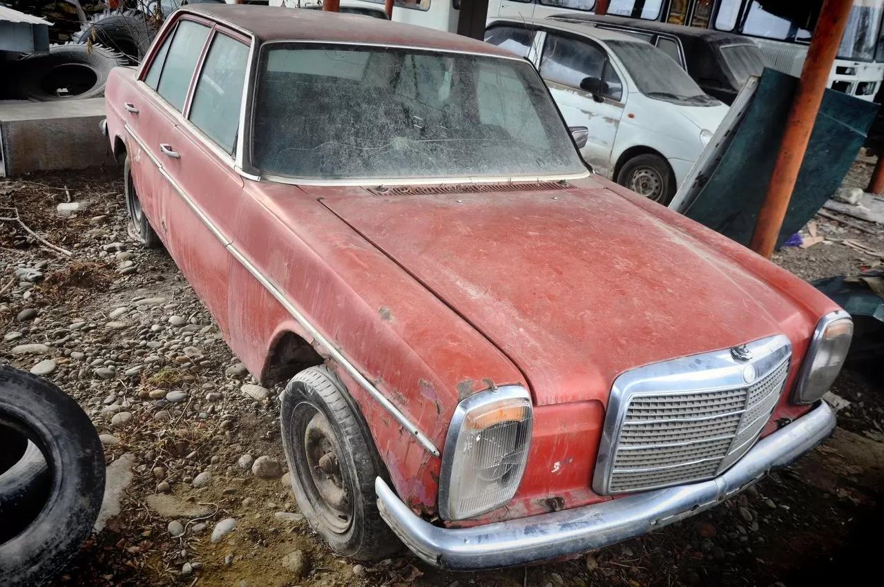 В сети показали коллекцию машин времен СССР – есть и правительственные лимузины (фото) 3