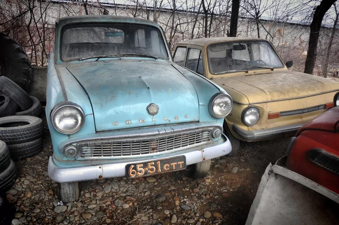 В сети показали коллекцию машин времен СССР – есть и правительственные лимузины (фото) 5
