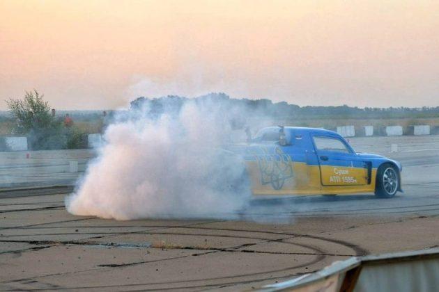 В Украине создали 2000-сильный Запорожец (фото) 3