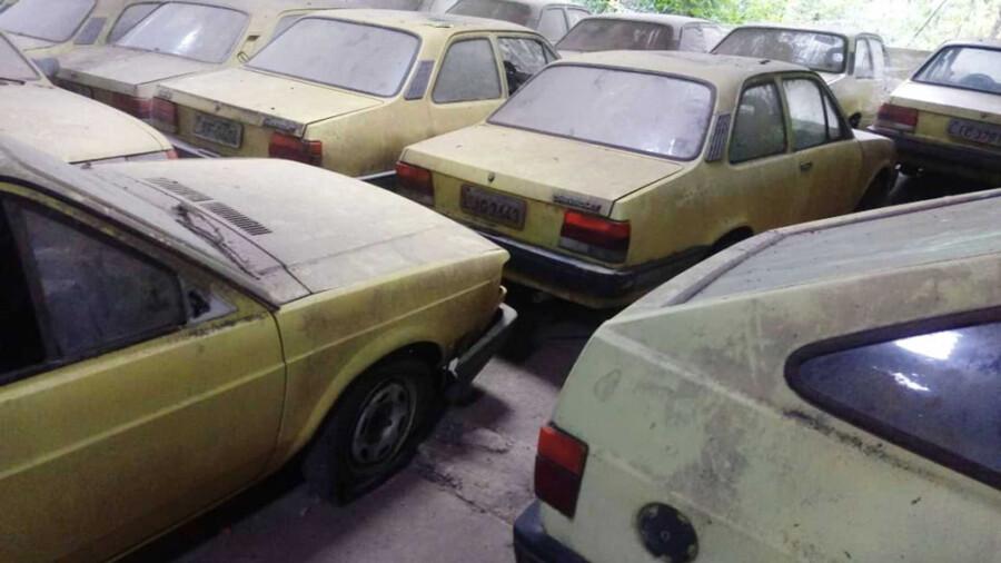 Несколько десятков Chevroletпродают по 250 долларов за экземпляр 1