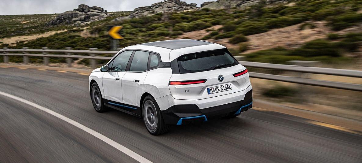 На украинский рынок выходит новый кроссовер BMW 3