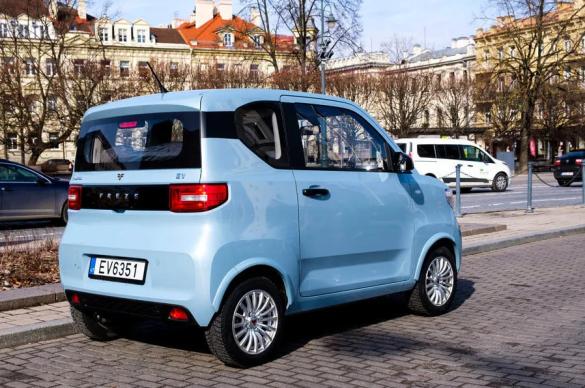 Литовцы представили самый дешевый электромобиль в Европе 3