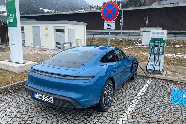 Немец рассказал о муках 550-километровой поездки на электромобиле 2
