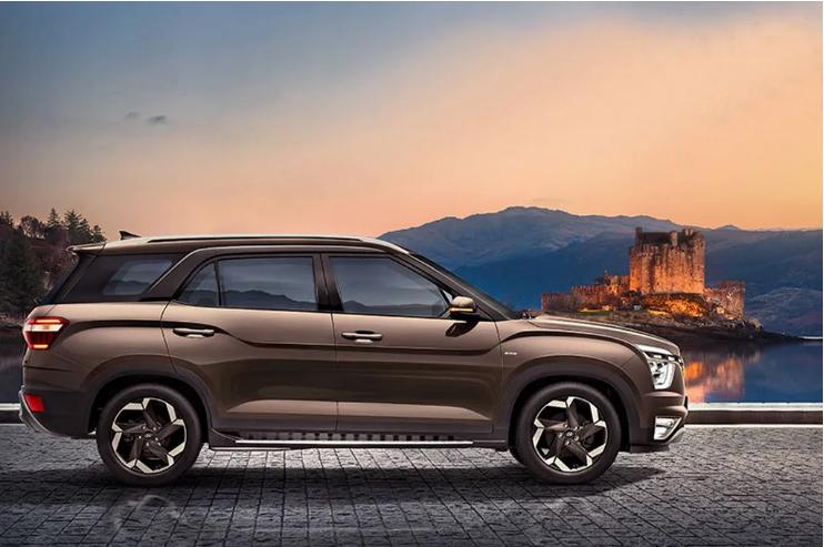 Hyundai представил 7-местный кроссовер Alcazar 3