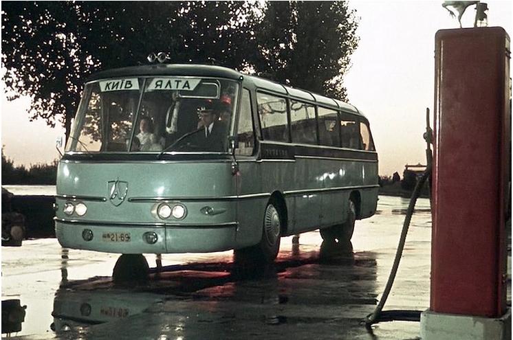 Самые необычные автомобили в советском кинематографе 4