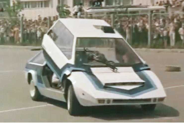 Самые необычные автомобили в советском кинематографе 11
