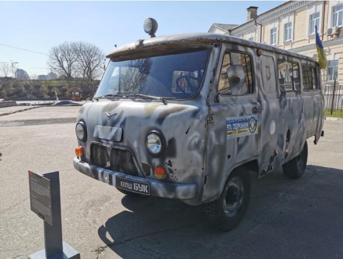 В Киеве появились интересные автомобили из зоны АТО  2