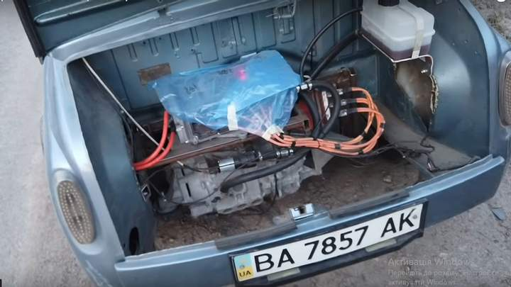 Украинский электрический«Запорожец» бросил вызовTesla 3
