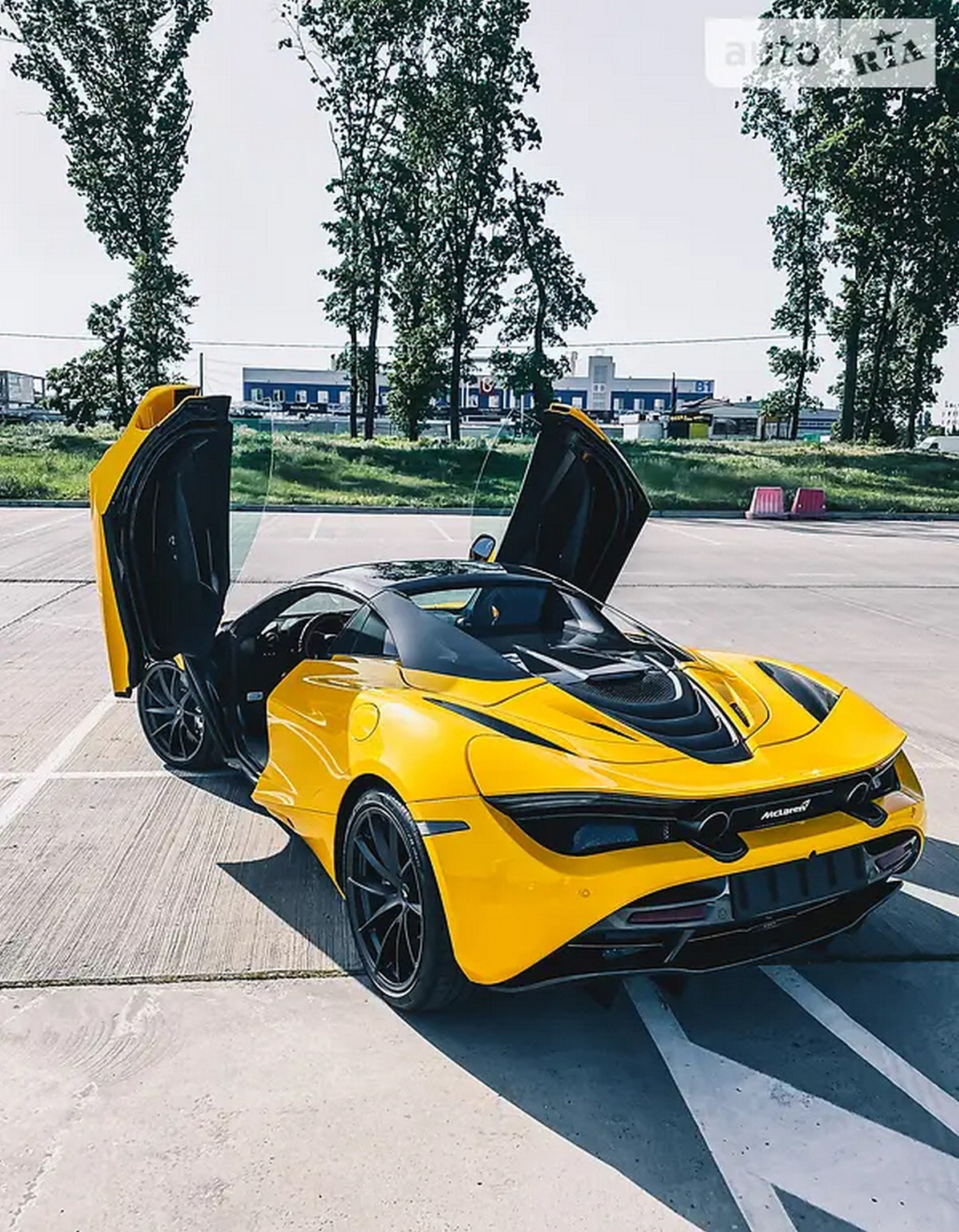 В Украине выставили на продажу McLaren 720S 2020 года за 370тыс. долларов 3