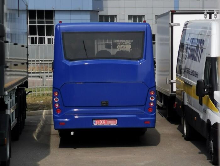 На стоянке замечен редкий автобус украинского производства (фото) 4