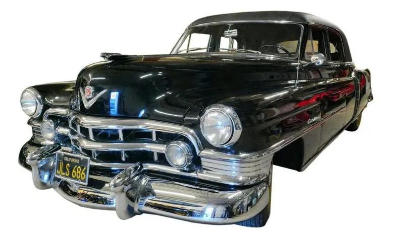 На продажу выставили Cadillac с «Крестного отца» 1