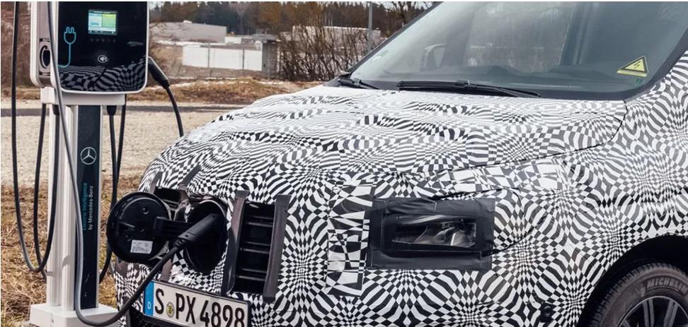 Mercedes-Benz показал электрический минивэн eCitan 1