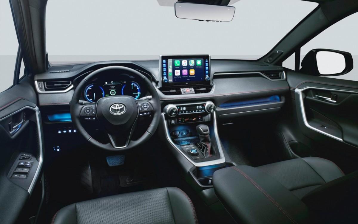 В Украине стартуют продажи самого быстрого и самого дорогого Toyota RAV4 3