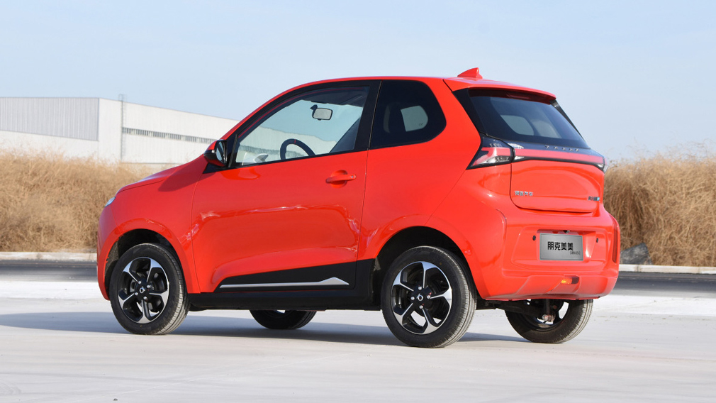 В Китае презентовали бюджетный и стильный электромобиль 3