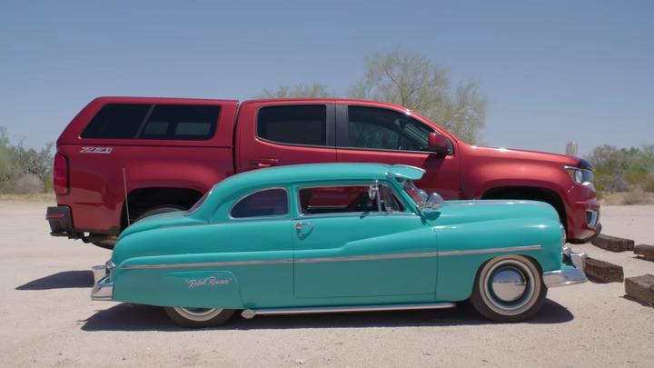 Умелец собирает мини-копии популярных авто из старых холодильников (фото, видео) 3