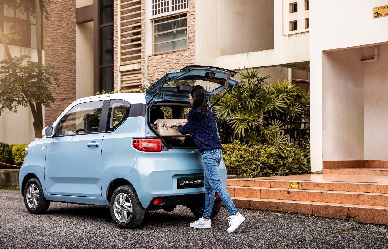 Самый продаваемый электромобиль в мире стоит всего 4000 евро 2