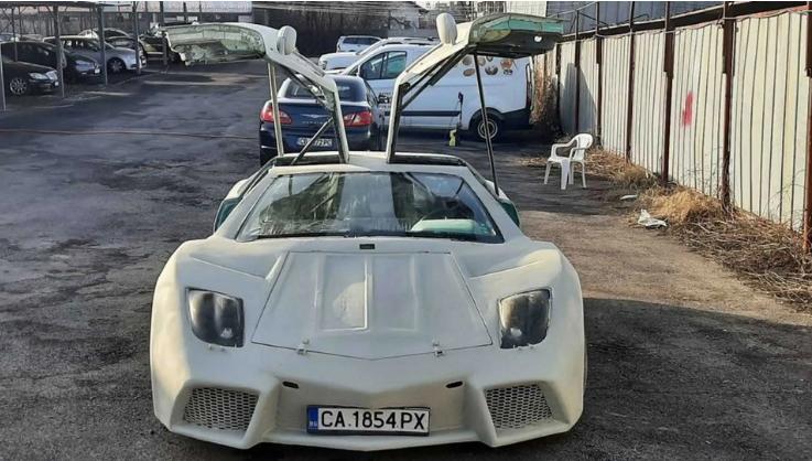 Умельцы превратили  Fiat Coupe в Lamborghini Reventon 1