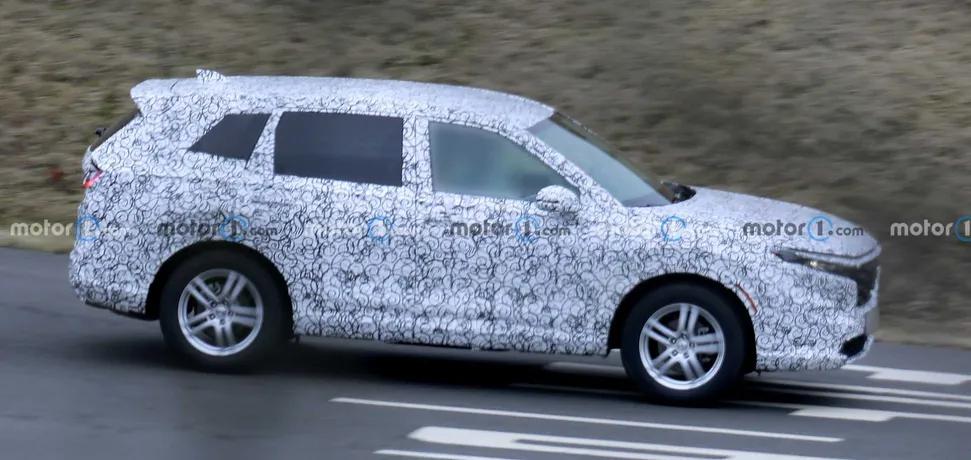 Honda CR-V нового поколения впервые заметили на тестах (фото) 1