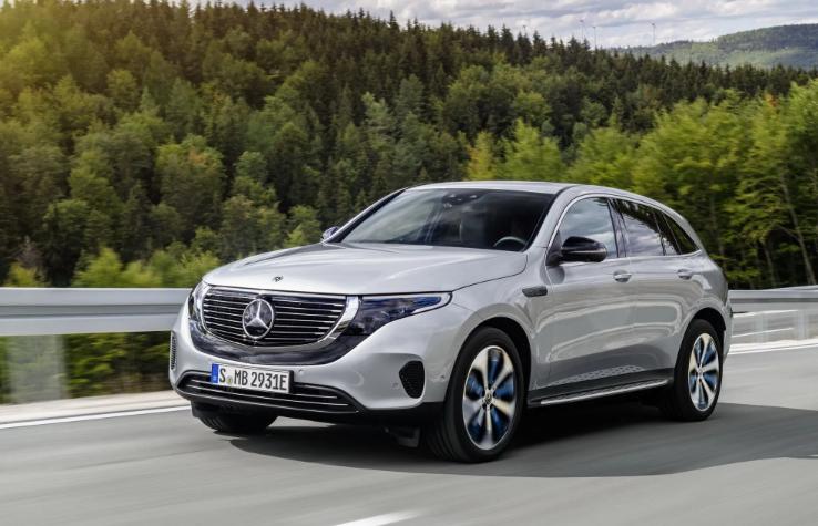 Семейство Mercedes-Benz EQC пополнили две новые версии 1