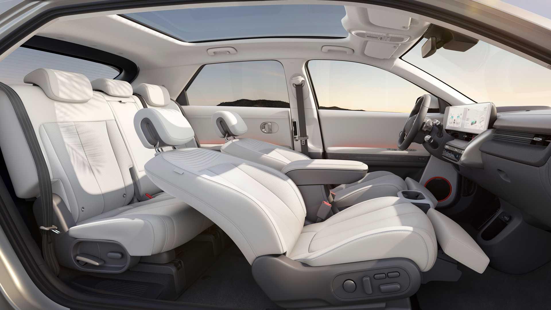 Компания Hyundai официально представила новый кроссовер Ioniq 5 2