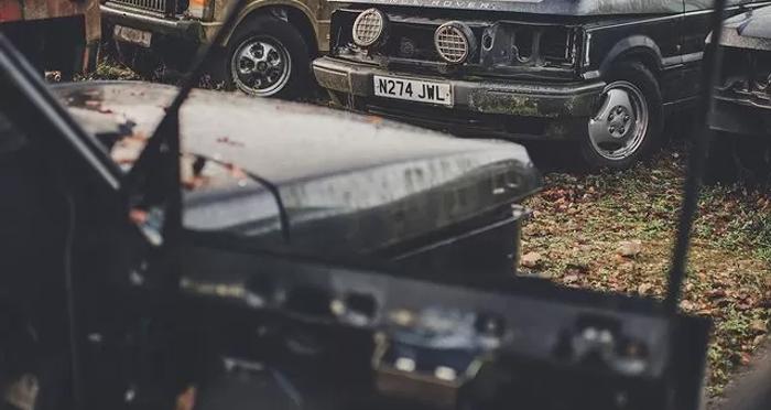 В Великобритании нашли свалку внедорожников Land Rover (фото) 3