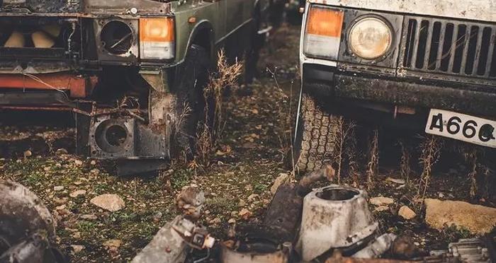 В Великобритании нашли свалку внедорожников Land Rover (фото) 1
