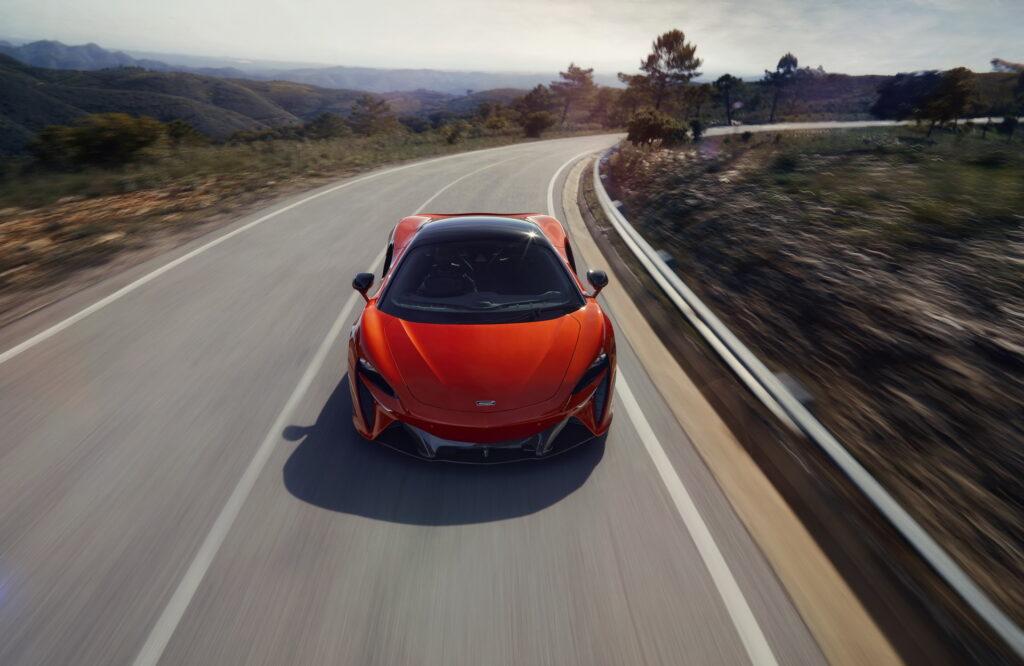 McLaren представил новый суперкар без задней передачи 4