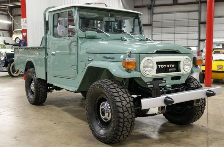 Ретроавтомобиль Toyota Land Cruiserс пробегом 35 км продают за 80 000 долларов 1