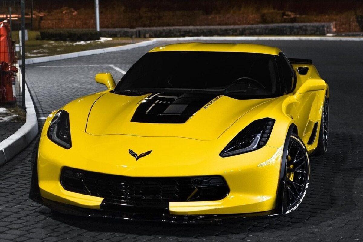 В Украине засняли сверхмощный Chevrolet Corvette 1