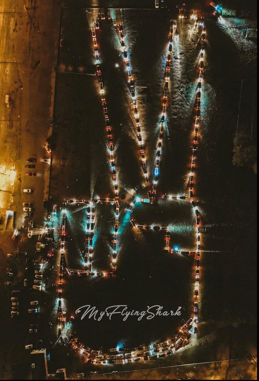 Почти 1000 авто приняли участие во флешмобе в память о Кернесе в Харькове 1
