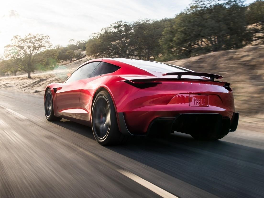 Стало известно, когда начнется производство Tesla Roadster 2