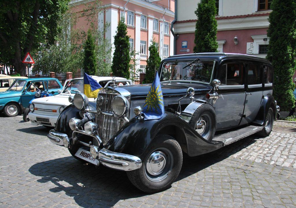 Самые впечатляющие ретро автомобили Украины (фото) 6