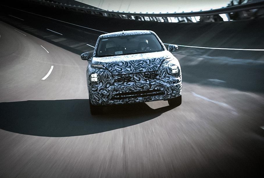 Mitsubishi Outlander 2022 выехал на дороги 2