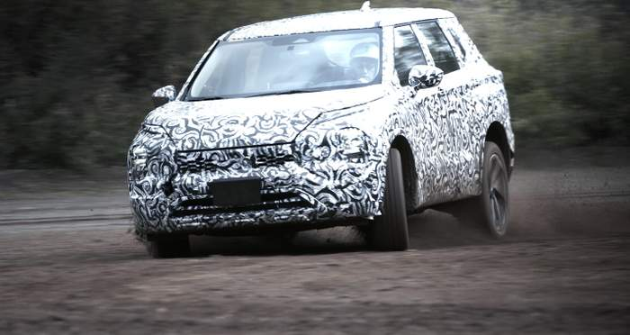Mitsubishi Outlander 2022 выехал на дороги 1