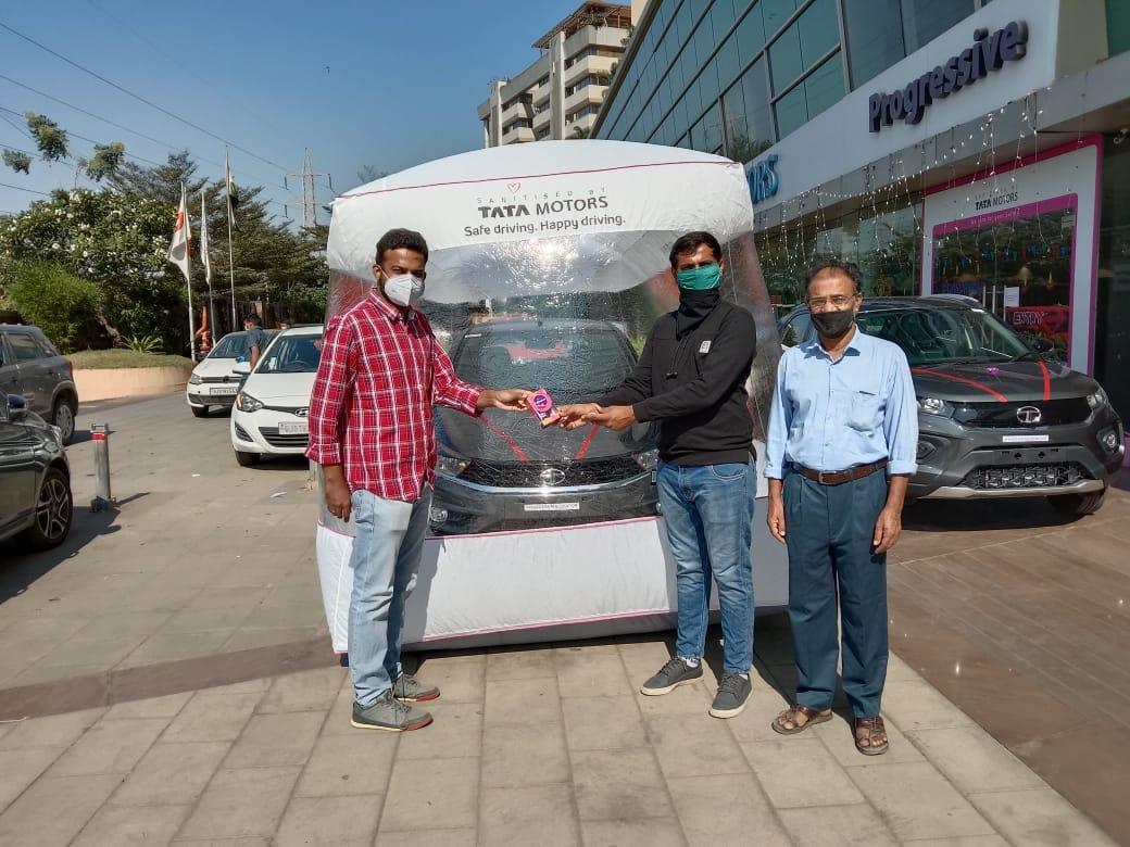 Tata Motors начали продавать машины в мешках безопасности (фото) 2