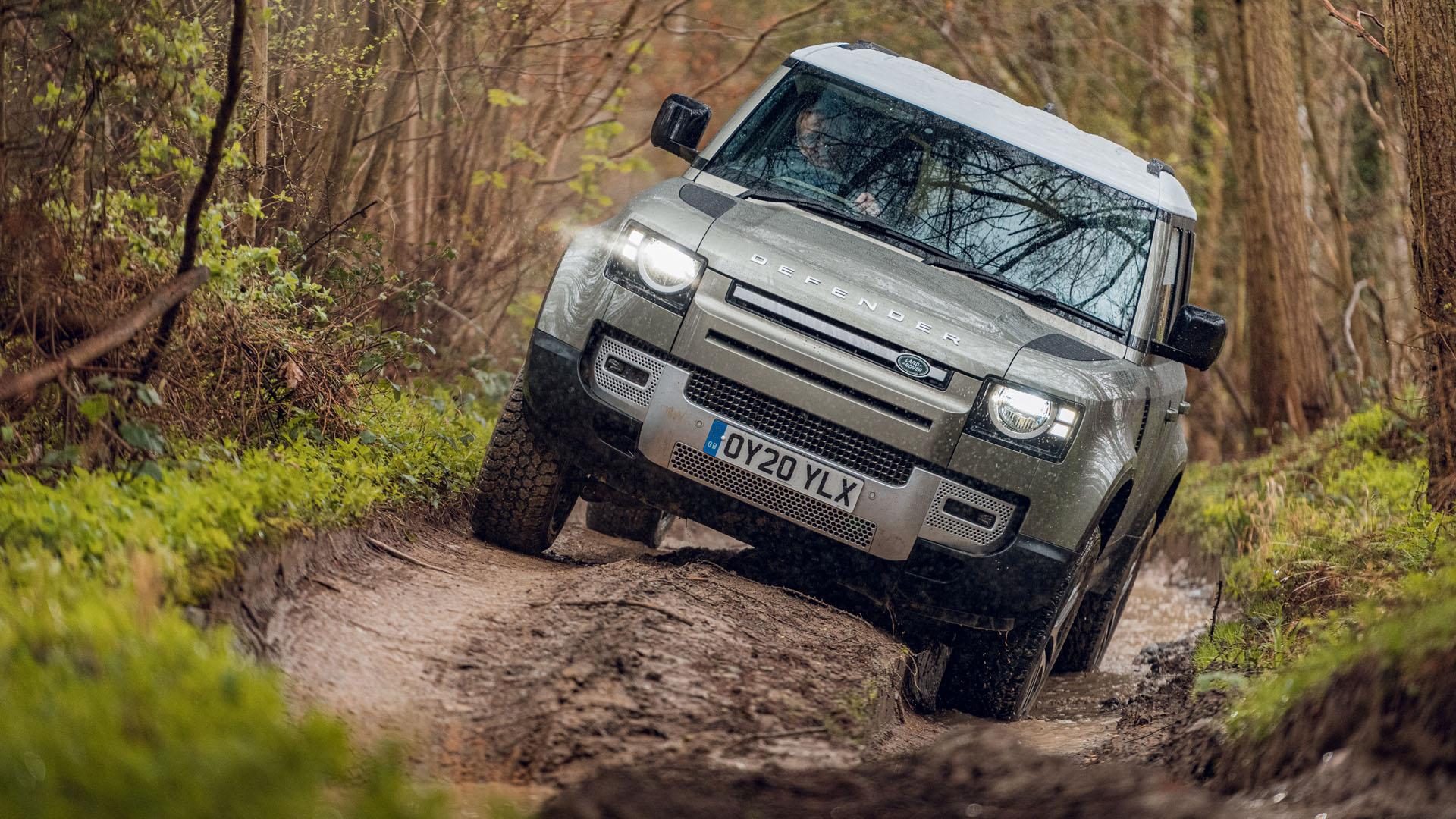 Land Rover Defender стал Автомобилем года 1