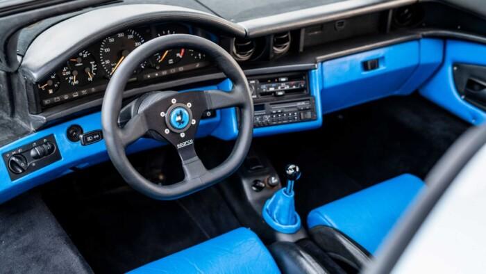На продажу выставили культовый автомобиль из Need for Speed 2