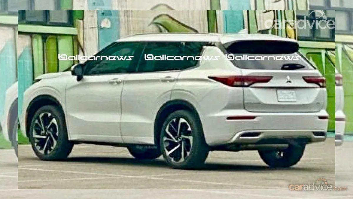Mitsubishi Outlande нового поколения показали на первых реальных фото 2